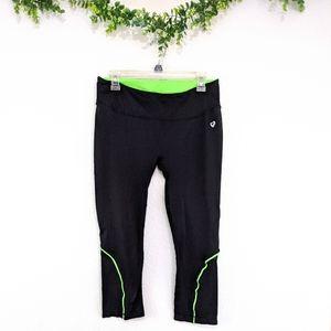 Shoactive Black & Green Active Capri Pants XL